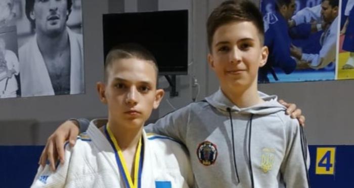 Роман Самолюк(зліва)