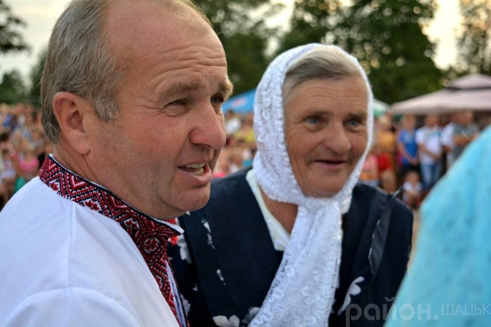 Микола Цвид вітаю багатодітну маму Світязя