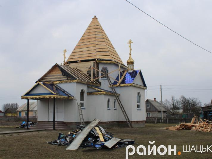 У Пехах відновлюють Свято-Покровський храм