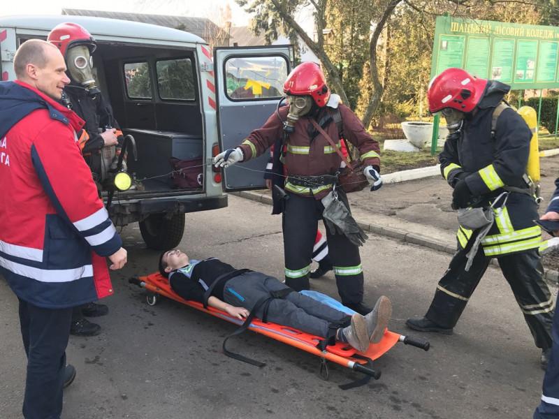 В коледжі відбулися спеціальні навчання з ліквідації пожежі
