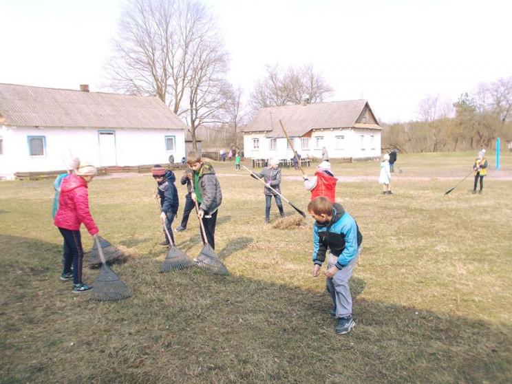 Школярі долучилися до акції «За чисте довкілля»