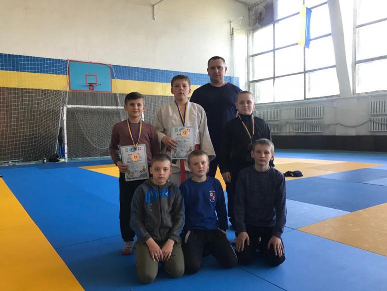 ВихованціШацького спортивногоклубу «Континіум»привезли перемогуіззмагань в місті Луцьк.