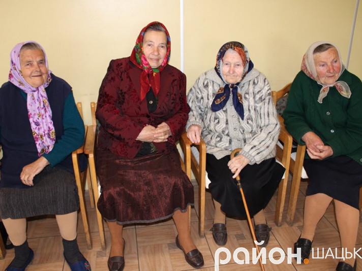 Літнім шачанкам подарували на День матері свято