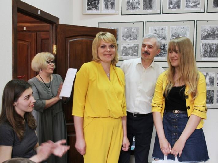 Ангеліна Зубач отримала нагороду за перемогу у Всеукраїнському дитячому конкурсі