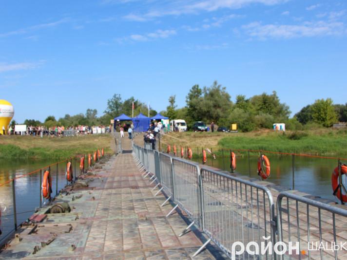 Тимчасовий міст через річку Західний Буг