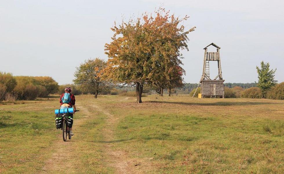 Вишка на березі Пулемецького