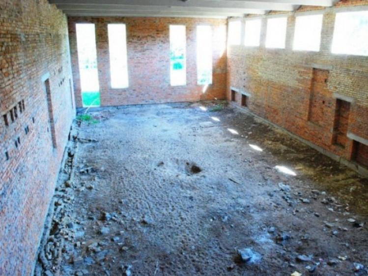 Недобудований басейн санаторію «Лісова пісня»
