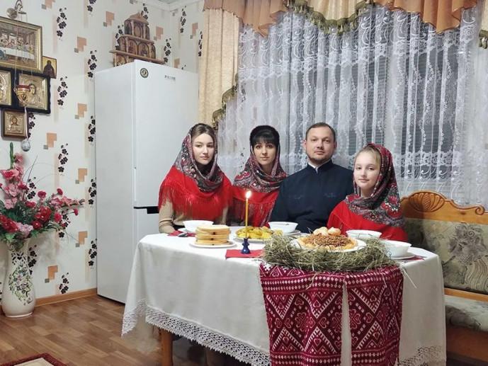 Священник олександр Черевко з родиною