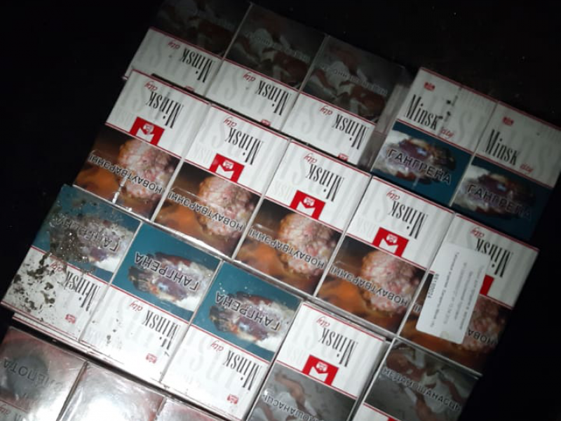 На «Пулемці» через приховані в паливному баку цигарки в українця конфіскували авто