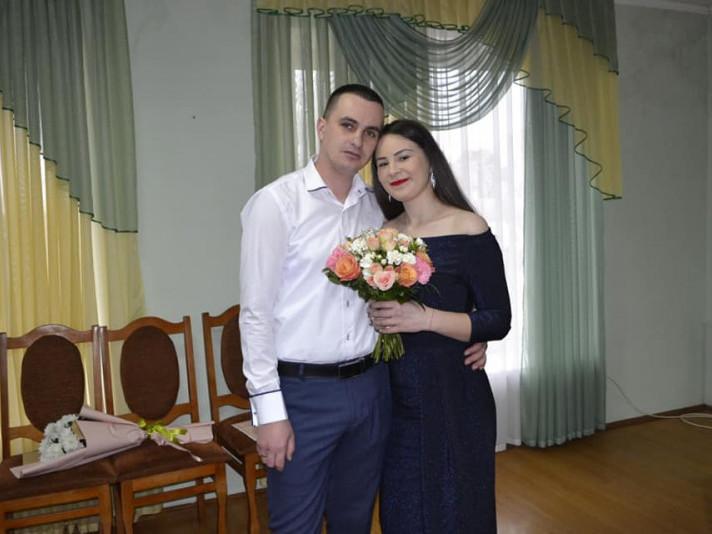 Чарівні наречені Аліна та Володимир