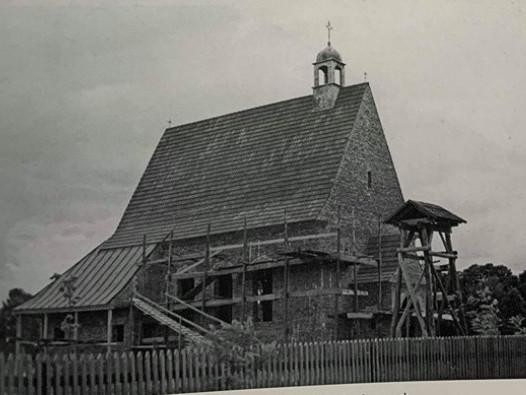 Римо-католицький костел у селіПулемець