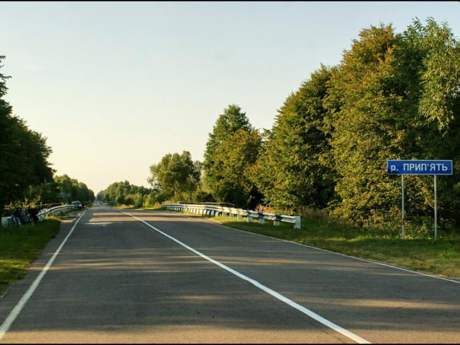 На дорозі біля Положева хочуть встановити ще одну зупинку