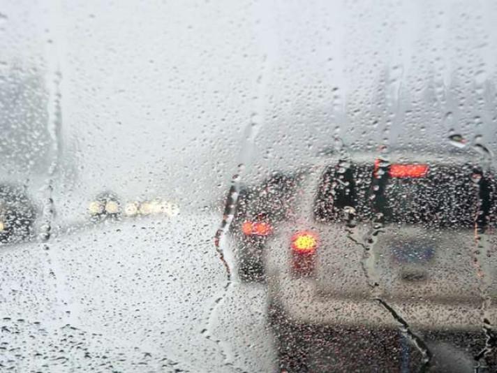 Дощ на дорогах / Фото ілюстративне