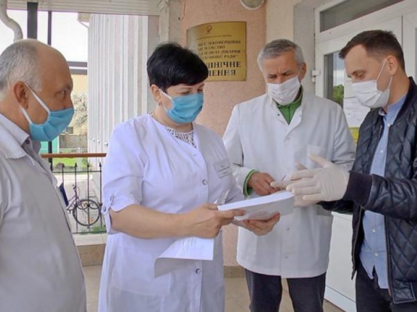 Шацькій лікарні передали апарат ШВЛ