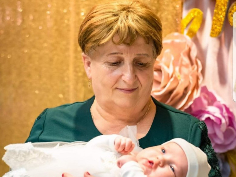 Валентина Омельчук із внучкою
