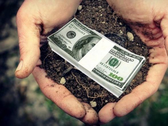 У Шацькій ОТГ жителів громади та землекористувачів просять сплатитити земельний податок