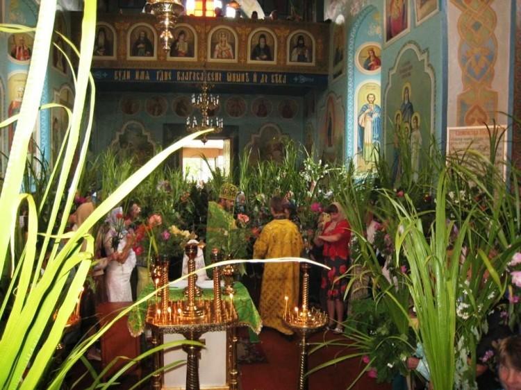 Святкова служба в храмі Різдва Пресвятої Богородиці селища Шацьк