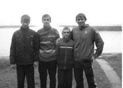 Юрій Чебан з вихованцями Шацької дитячо-юнацької спортивної школи