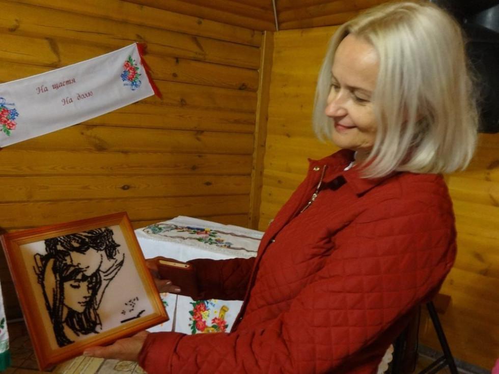 Сучасний варіант української вишивки Ірині Фаріон сподобався