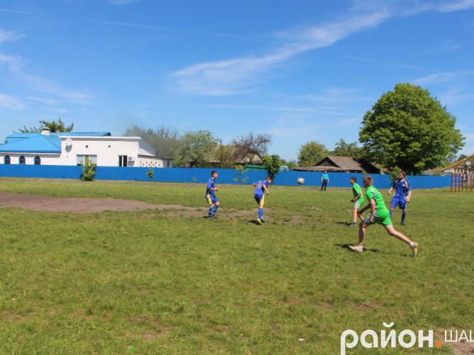 Стадіон в Шацькій школі-гімназії