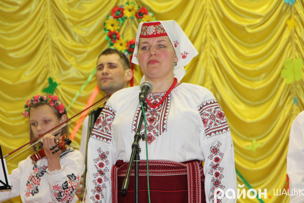 Співає Ольга Гайова