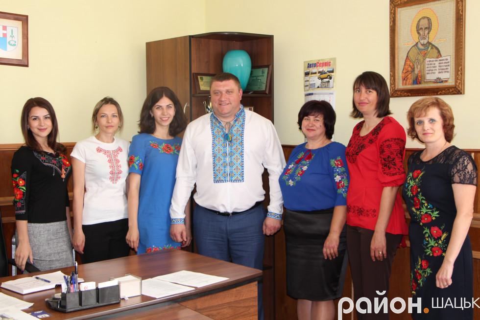 У кабінеті голови райдержадміністрації і пофотографувалися, і вирішили декілька робочих питань