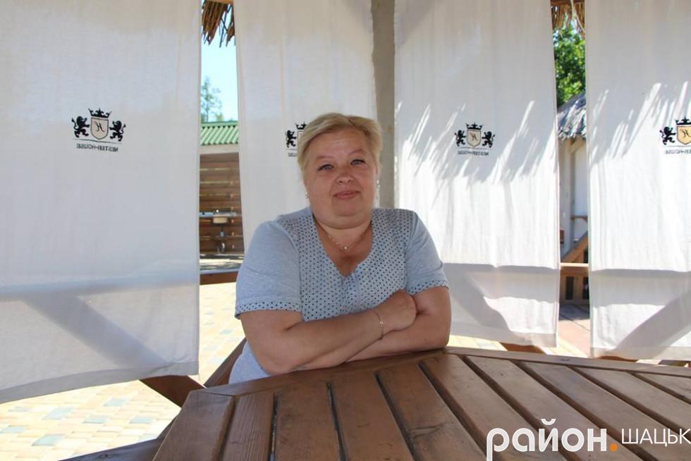 Анна Головіна вже втретє відпочиває в комфортному маєтку