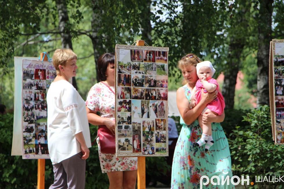 Людмилу Цевух зацікавила історія села у фото