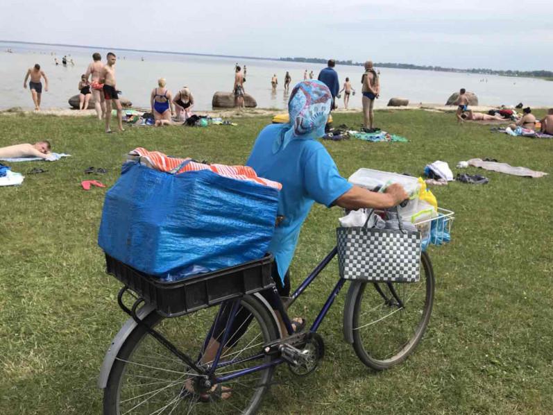 Пончистам хочуть заборонити їздити на пляжі велосипедами