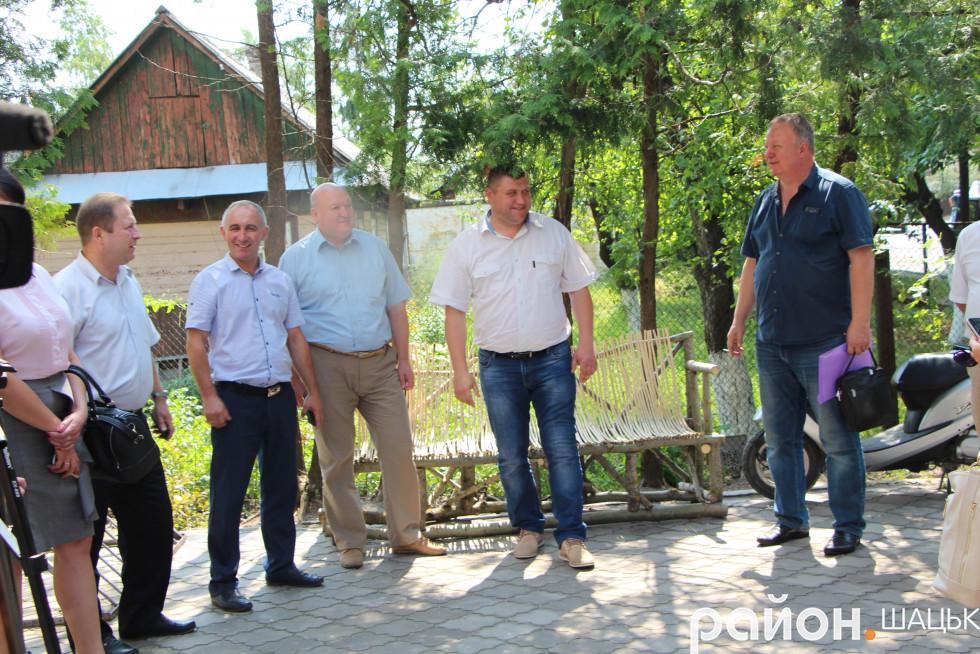 В Шацькій селищній раді зустрічають львів'ян та журналістів