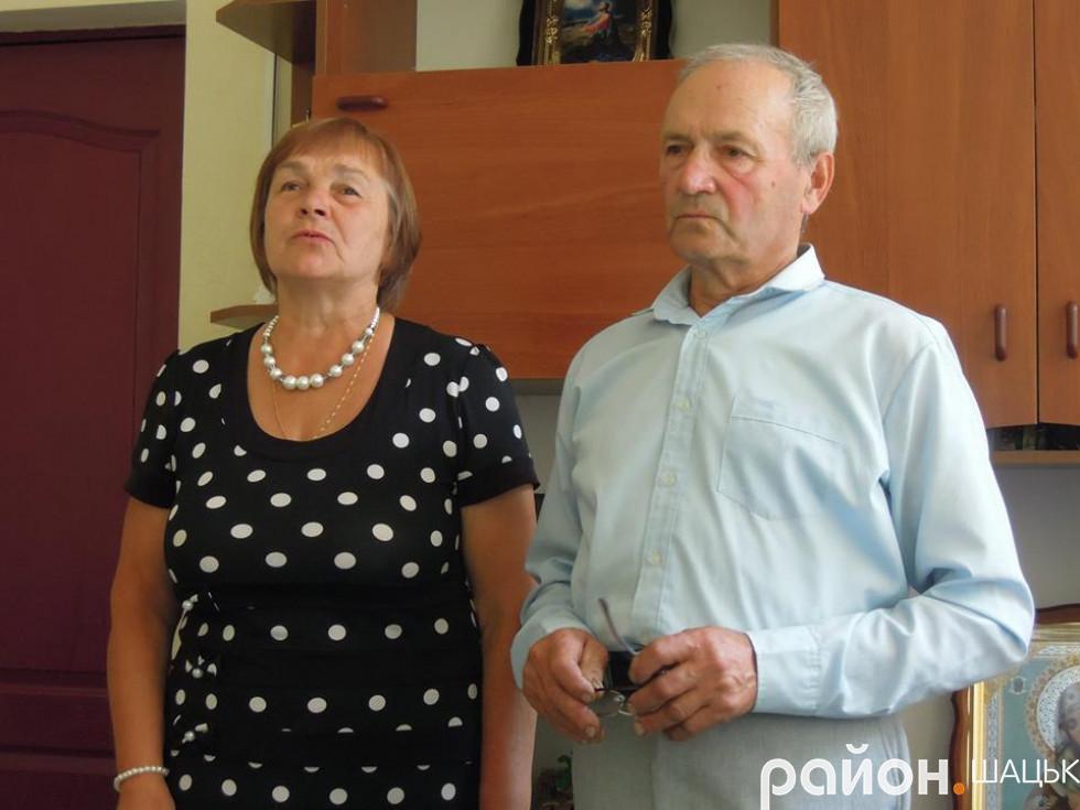 Співають Віра Ярмошук та Володимир Чак