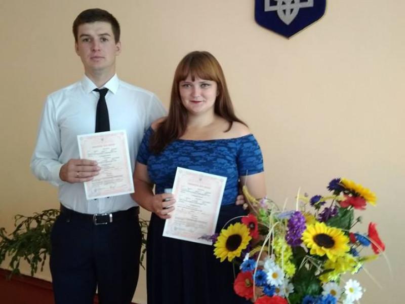 В Шацьку на рушник щастя стала молода пара закоханих.