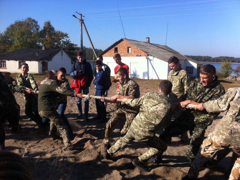 «Козацькі забави» у Піщанській школі