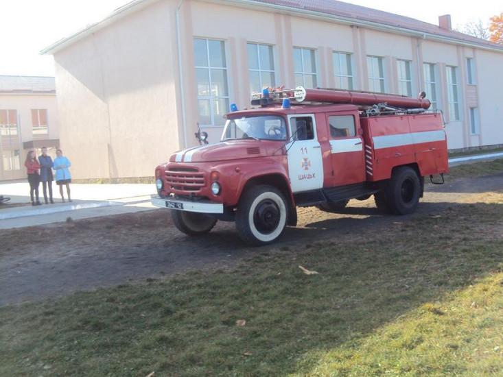 У школі відбулися навчання по евакуації учнів та працівників школи на випадок пожежі.