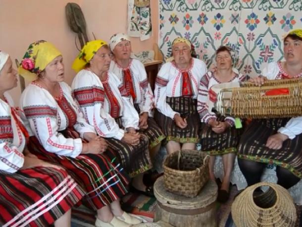 Фольклорний ансамбль «Піщаночки»