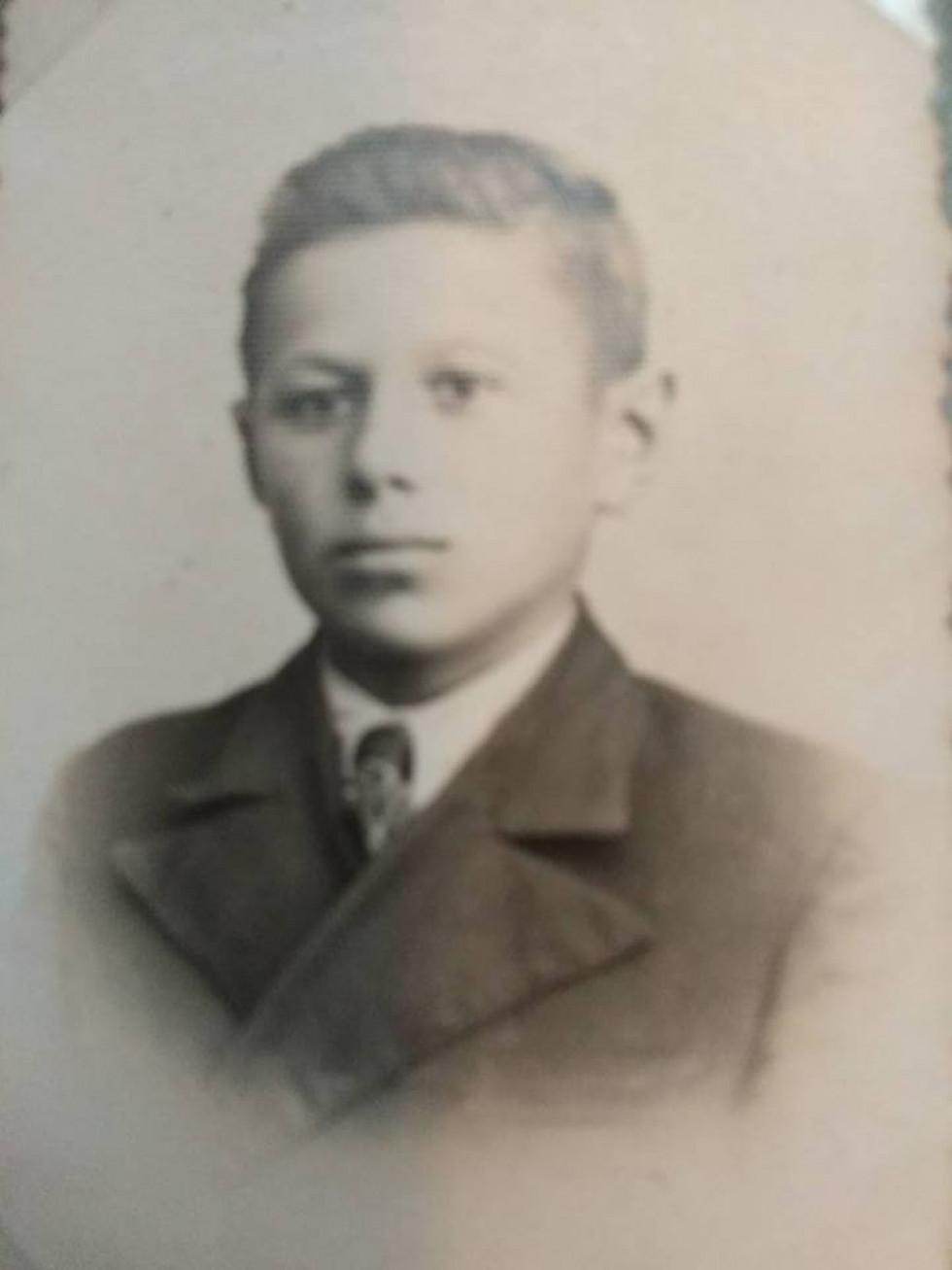 Старший син батюшки Ростислав Осницький.