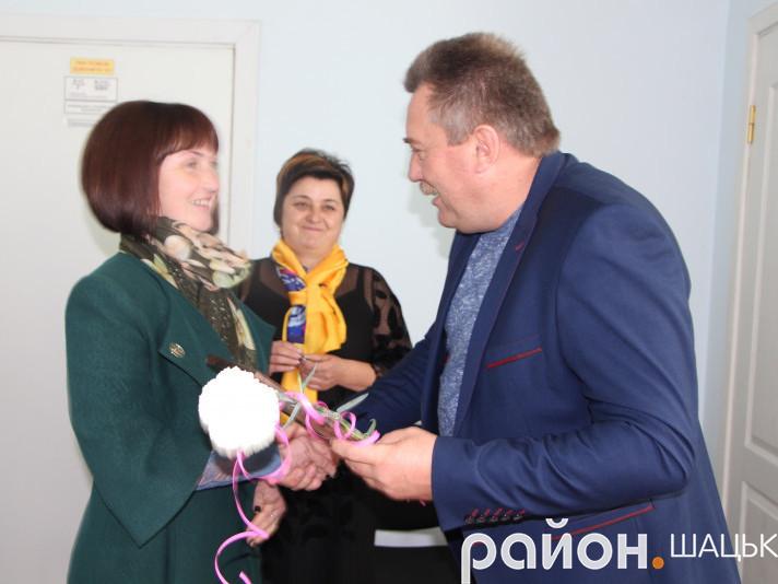 Нагороду отримує Людмила Львович
