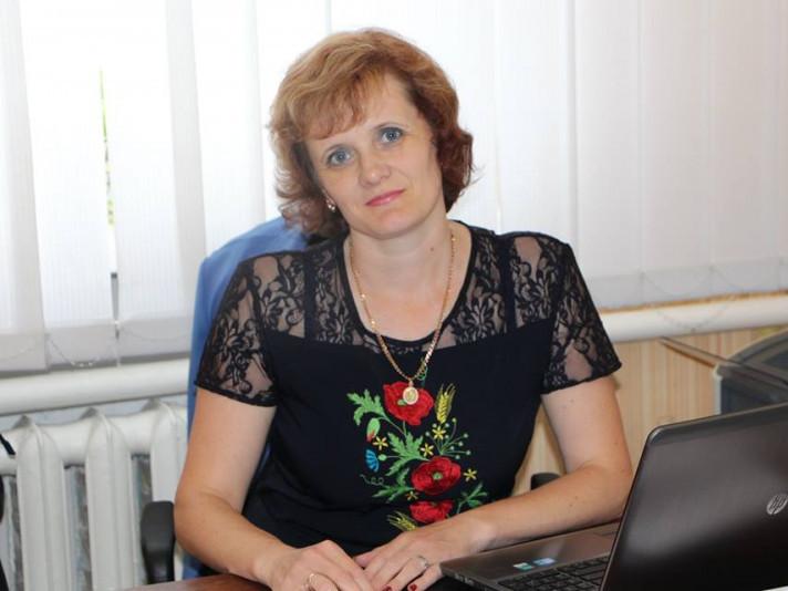 Олена Гуж
