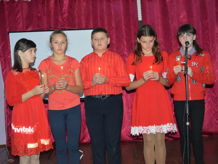 Учні школи села Мельники на заході «Разом проти СНІДУ»