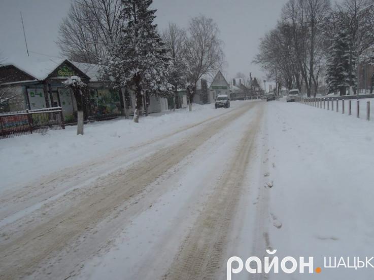 Центральні дороги селища розчищені