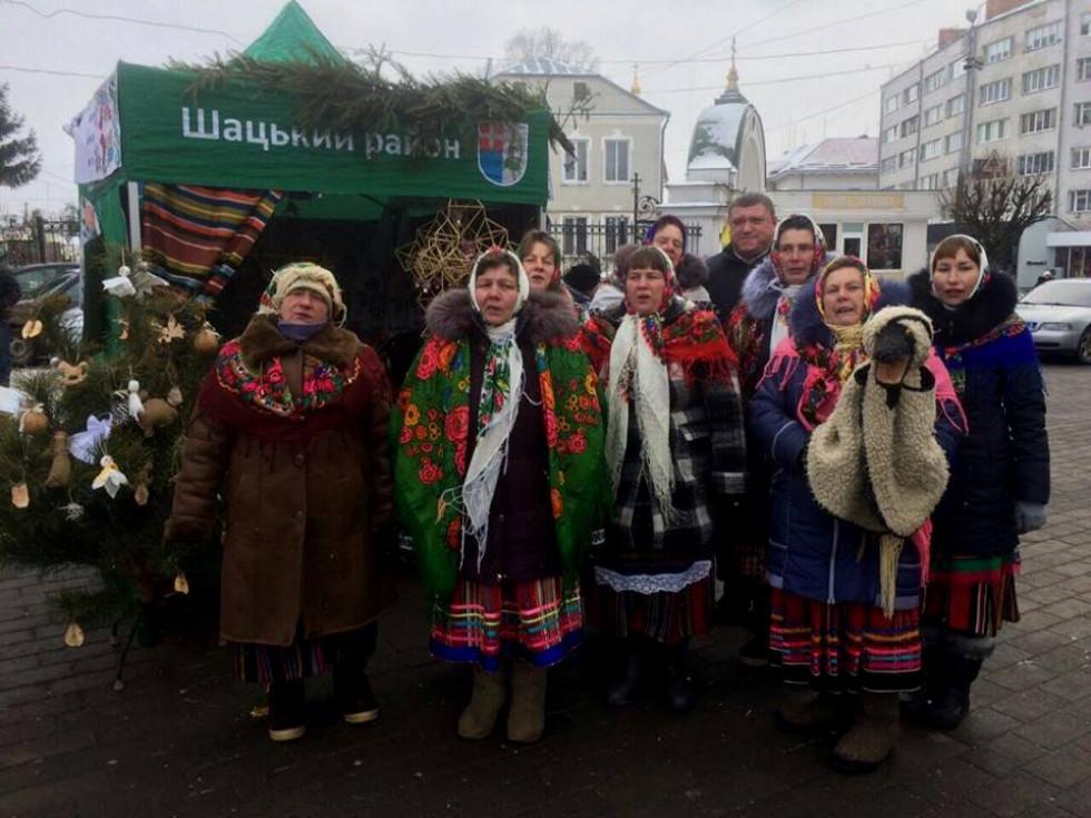 Народний аматорський фольклорний ансамбль «Острів'яночка»