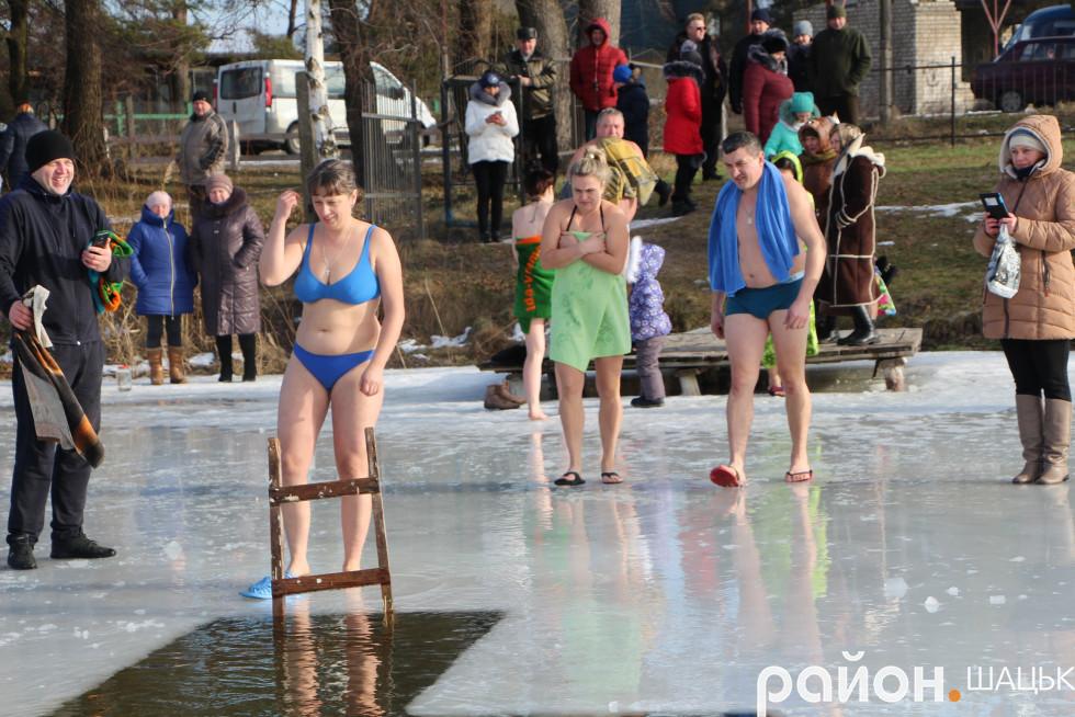 Щороку купається шачанка Ірина Грицюк