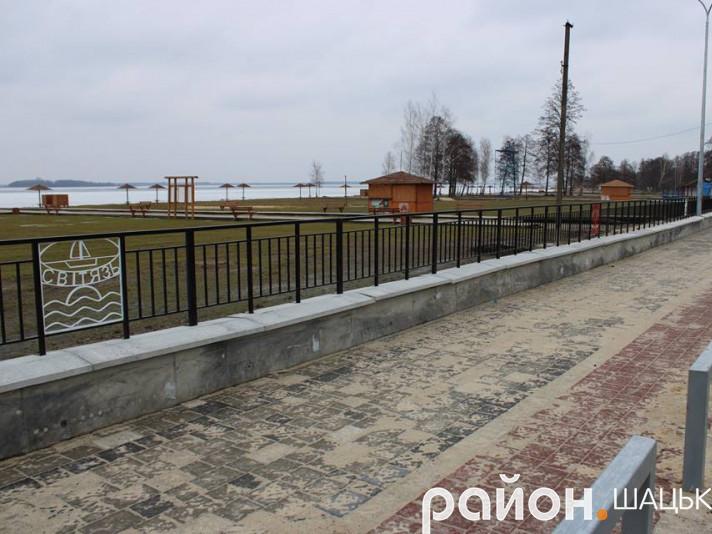 В Світязі тривають роботи з розширення таремонту дороги по вулиці Жовтнева.