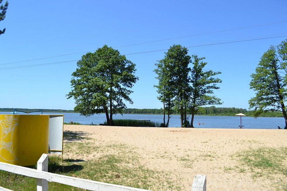 Пляж озера Велике Чорне