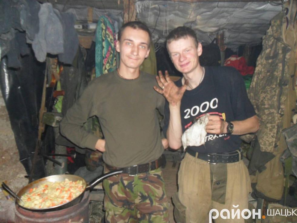 Роман Климюк із другом і побратимом Сергієм Богутою з села Мельники