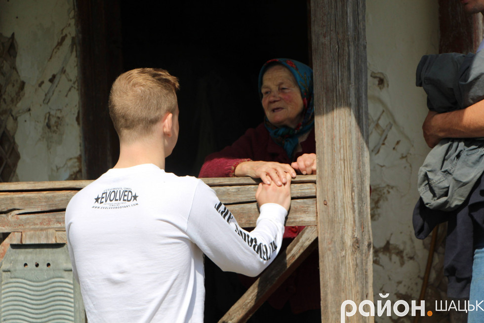 Баба Ір на завжди рада бачити гостей