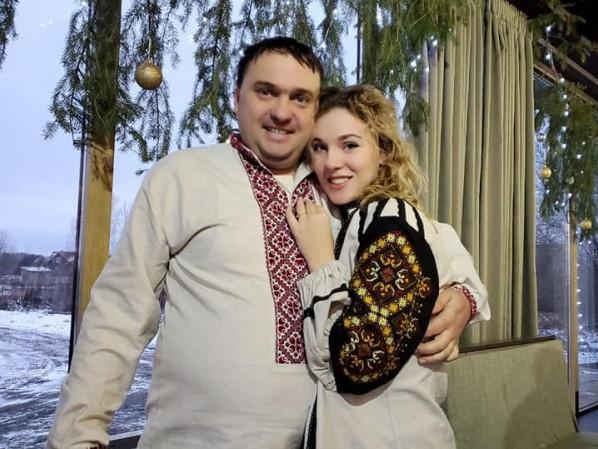 Назар і Софія передають свою любов до танців шацьким дітям