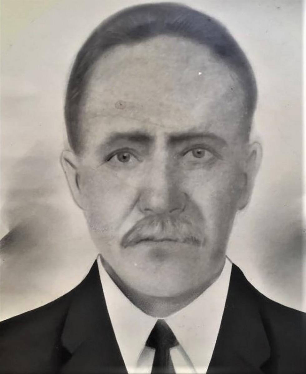 Відреставрований портрет прапрадіда Андрія.