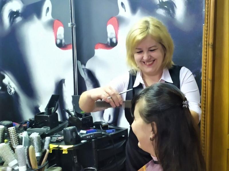 Шацька перукарка Валентина Забродоцька