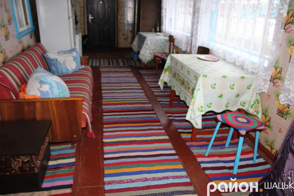 В будинку Лілії Верчук багато тканих вирообів